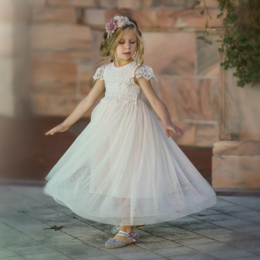 Mariage - Ivory flower girl dress, Ivory Lace flower girl dress, Tulle Flower Girl Dress, Rustic Flower Girl Dress, Boho Flower Girl, Communion