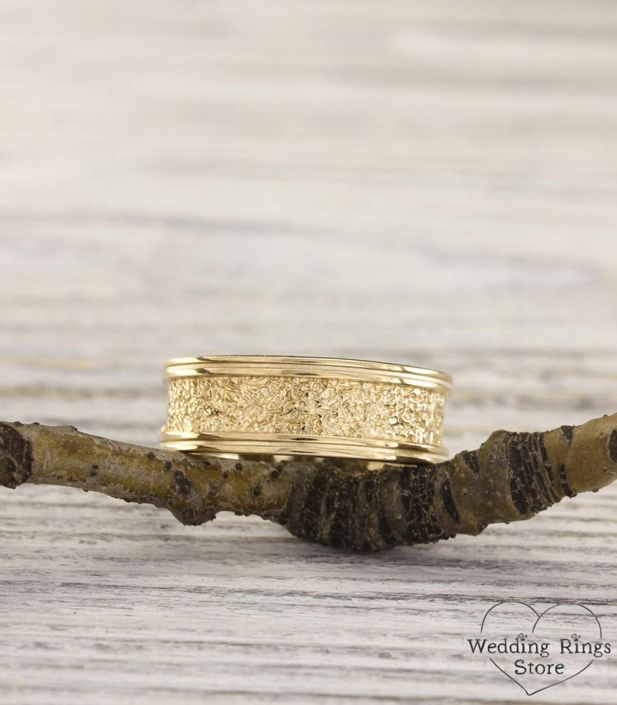 زفاف - Unique men's bold ring, Mens gold wedding band, Wild relief ring, Unique wedding band, 8mm wide ring, Thick mens ring, Ring for groom