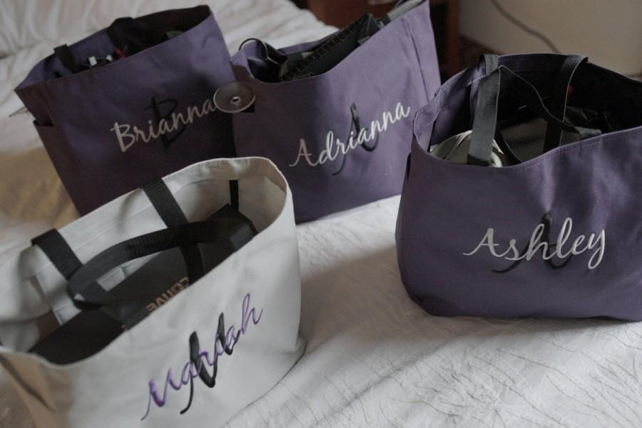 Свадьба - Bridesmaid tote bags , Set of 7 , Personalized tote bags , bridesmaid gifts , bachelorette party gift , wedding tote bags, monogrammed tote