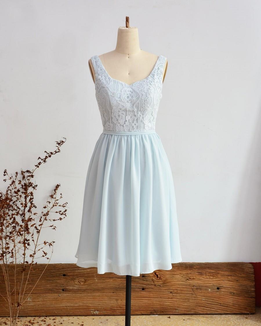 Mariage - Short Bridesmaid Dress Light Blue Lace Dress Open Back Knee Length Prom Dress Sleeveless Wedding Party Dress