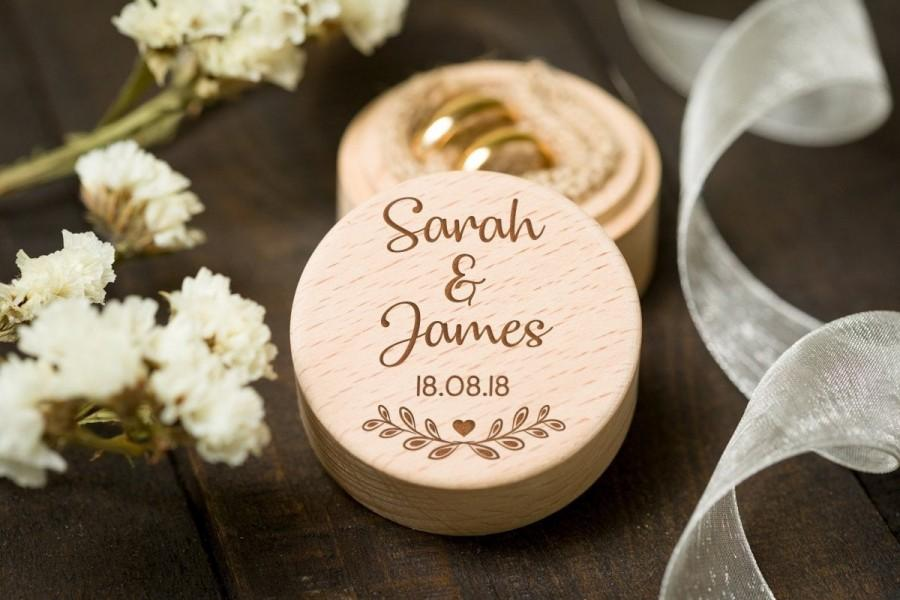 Hochzeit - Custom wedding ring box, Wooden ring box, Unique ring box, Ring bearer box, Engraved wood box, Custom Names Ring Box, Personalized Ring Box