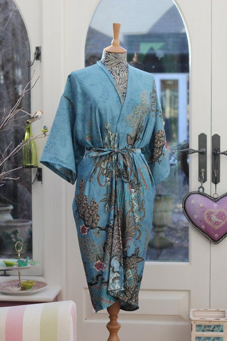 زفاف - Blue silk Kimono Robe, mothers day, Dressing gown, Vintage kimono, Bridesmaid robes, Boho kimono, Bridal Robe, gifts for her, Mango Moon