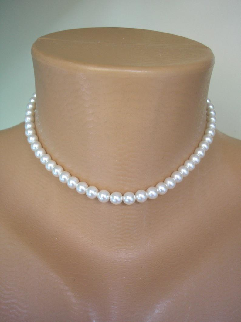 Mariage - Single Strand Swarovski Pearl Choker, Single Strand Pearls, Dainty Pearl Choker, Bridal Pearls, Bridesmaid Pearls, Weddings Pearls