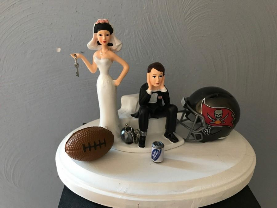 Mariage - Tampa Bay Buccaneers Wedding Cake Topper Bridal Funny Football team Football Themed with matching garter Hair color changed for free