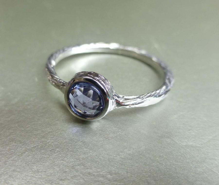 Mariage - Rose cut blue sapphire engagement ring.  Textured blue sapphire ring. 14k white gold rose cut ring.