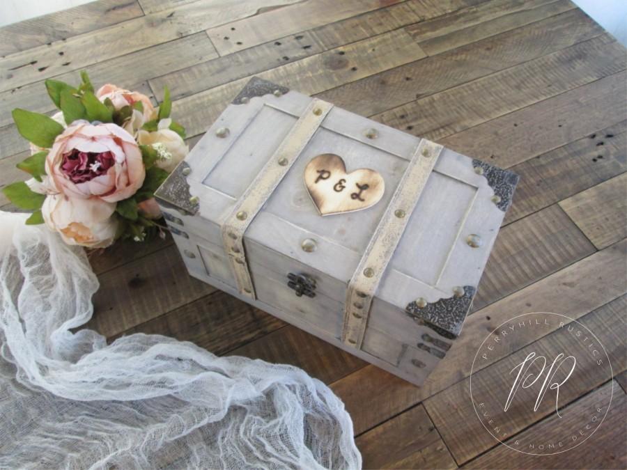 زفاف - Personalized keepsake box, wooden memory box, wood time capsule box, treasure chest, wedding keepsake, anniversary keepsake, shabby chic box