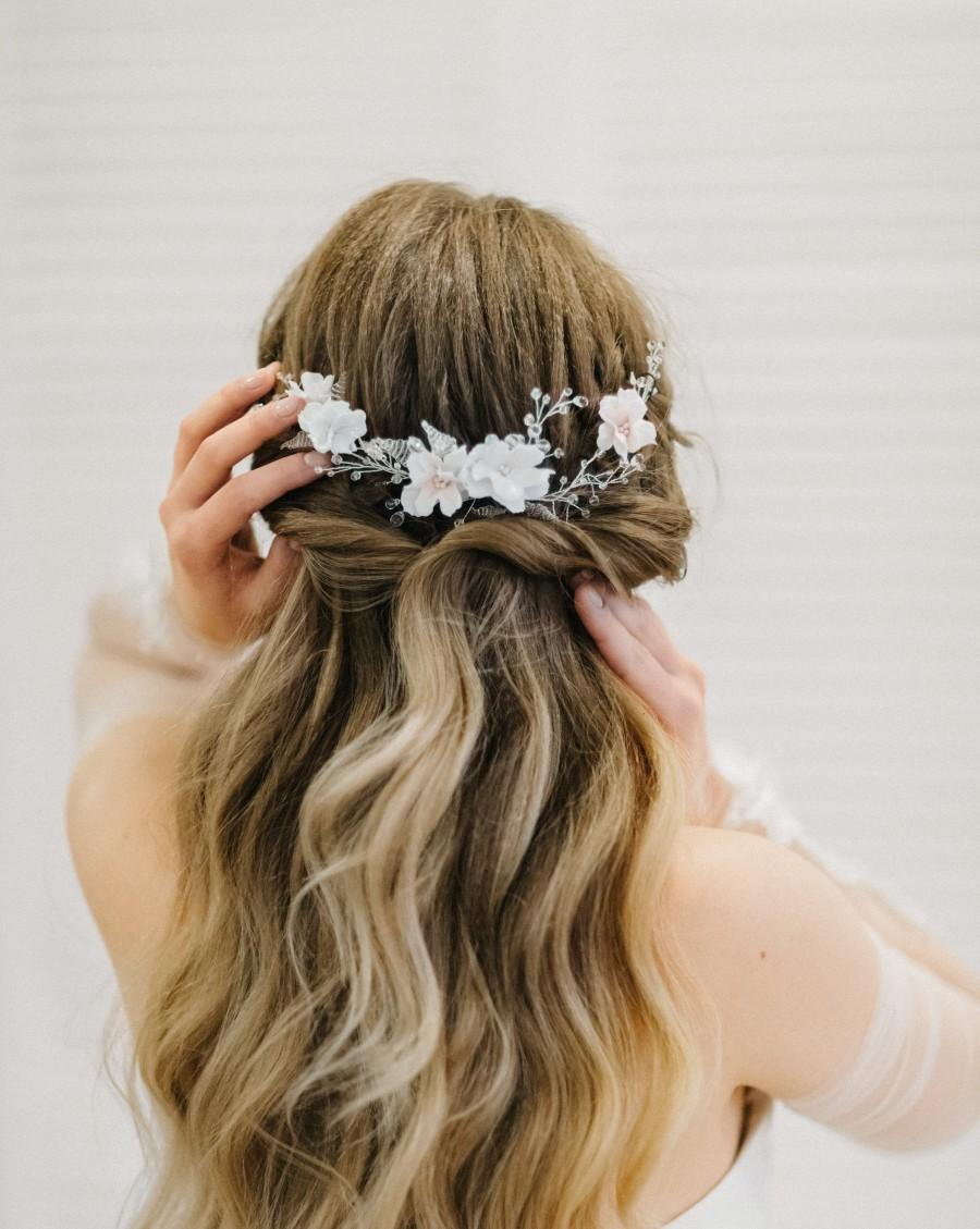 Mariage - Floral bridal silver headpiece, Flowers wedding hair comb, bridal headpiece with white flowers for bride, wedding hair accessories - Bennita