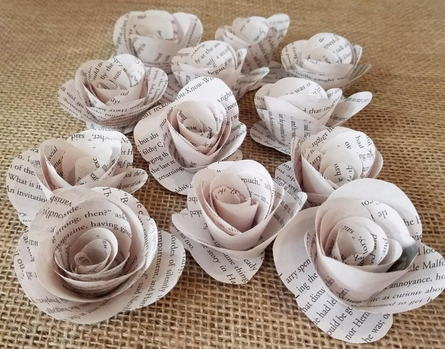 Mariage - 2 Dozen Harry Potter Book Page Flowers 24 Paper Roses - No Stems- Wedding Decor - Baby Shower - Birthday - Recycled Book - Recycled Art