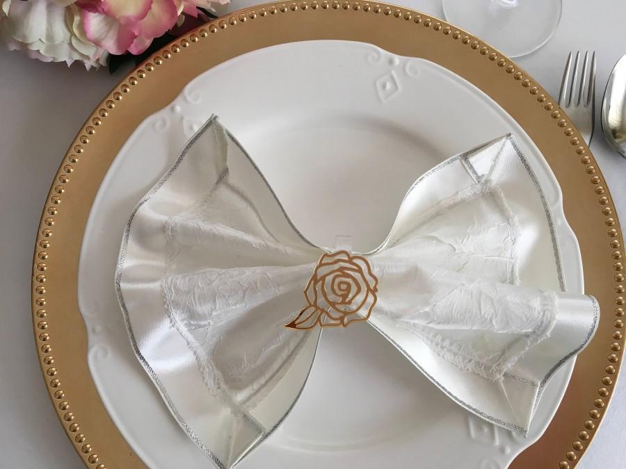 زفاف - Flower napkin ring holders Filigree gold rose Acrylic Floral wedding napkin rings Bridal shower decorations Carved rose Table centerpiece