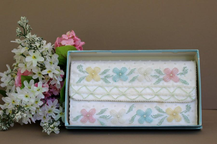 Свадьба - White Pearl Beaded Clutch, Vintage 50s Beaded Wedding Evening Clutch Bag, Bridal Pastel Beaded Clutch Purse
