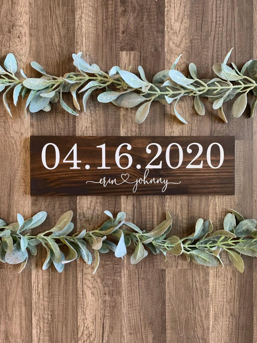 Свадьба - Save the Date Sign, Wedding Announcement Sign, Engagement Photo Prop, Rustic Wedding Decor