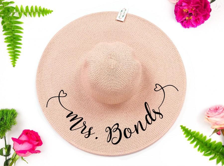 Свадьба - Sun Hat for Bride,Floppy Hat,Sun Hat,Gift for Bride,Gift for Her,Personalized Bride Gift,Bridal Gift,Bridal Shower Gift,Mrs,custom bride hat