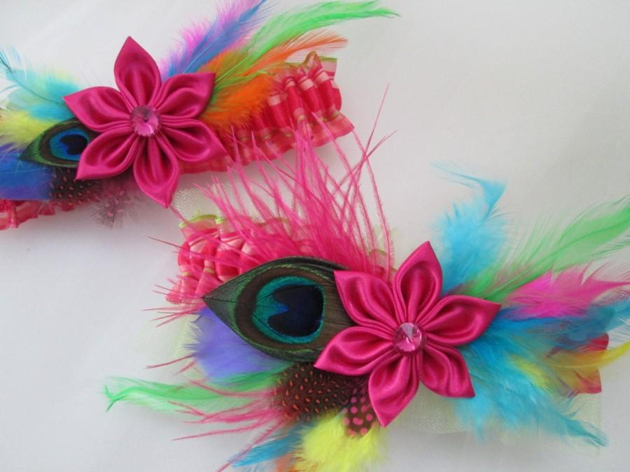 Mariage - Hot Pink WEDDING Garter Set, Peacock Garters, Coral Garters, Multi-Color / Rainbow Wedding Garters, Birds Wedding Theme, Beach Wedding