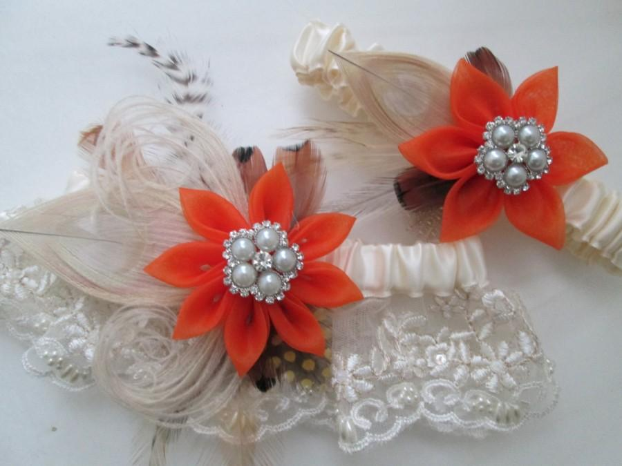 Mariage - Burnt Orange WEDDING Garter Set, Ivory Lace Garters, Peacock Garters, Rustic Garters for Harvest, Barnyard, Countryside, Halloween Weddings