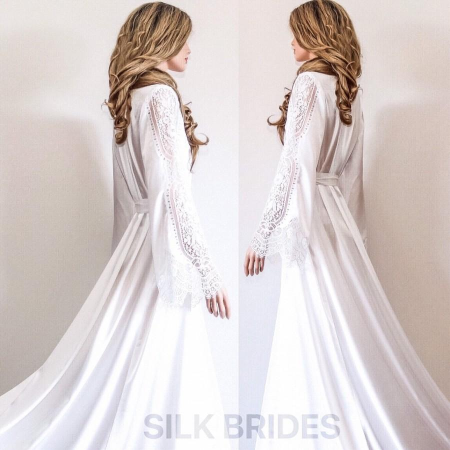 Свадьба - New Long Bridal Robe with Train, White Maxi Dressing Gown, Luxury Wedding Gift