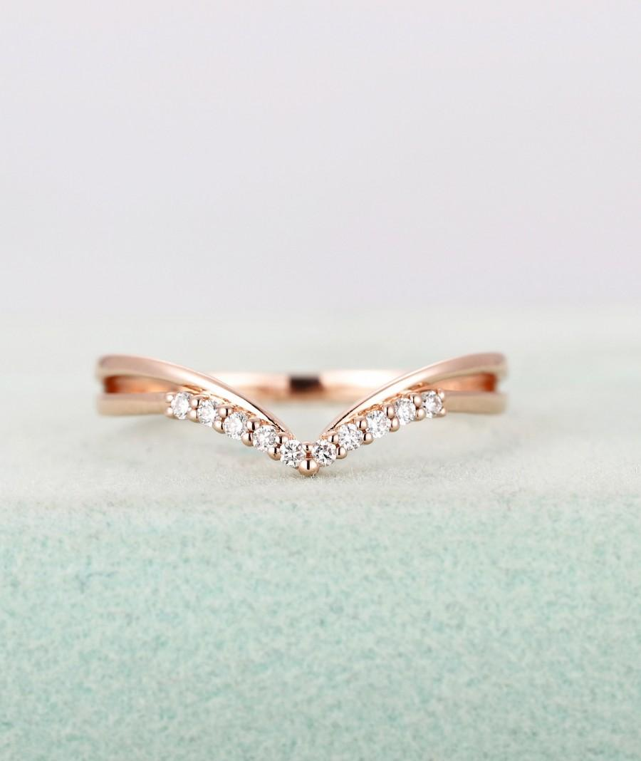 Mariage - Rose gold wedding band,Diamond Curved ring,Women's Chevron and Unique Stacking ring,Matching Bridal Jewelry,Anniversary