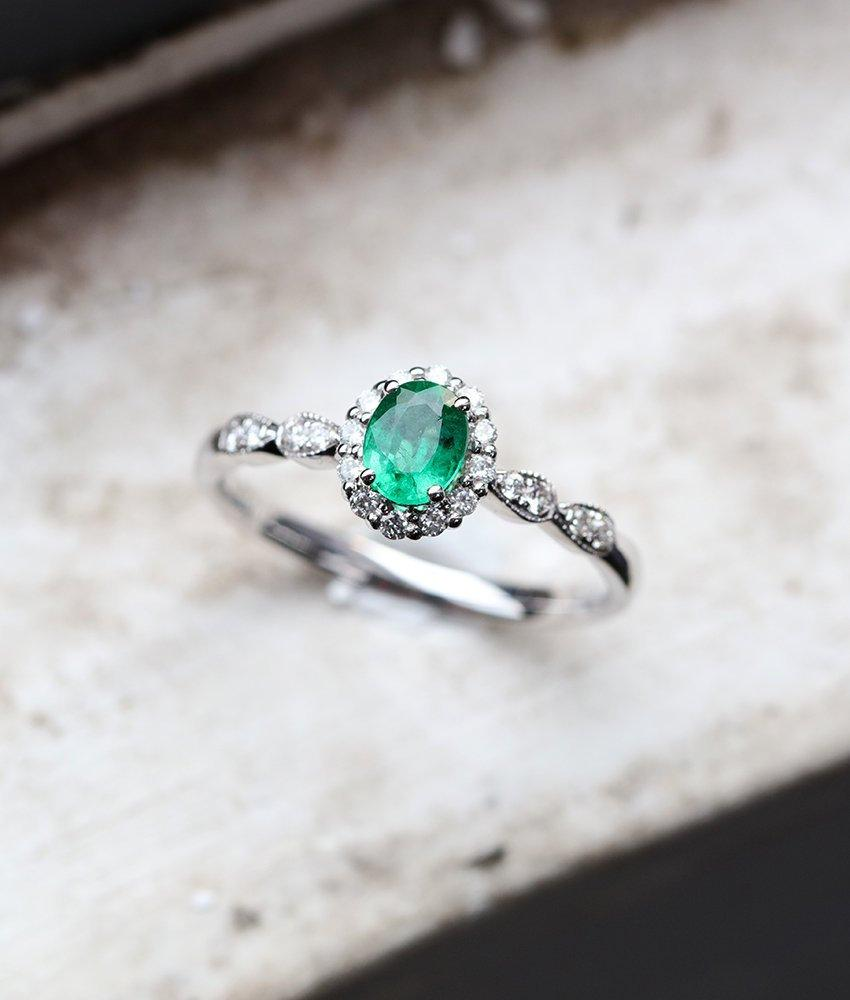 Mariage - Emerald engagement ring,vintage diamond white gold ring,halo,half eternity ring, oval cut ring,bridal,anniversary bridal ring promise