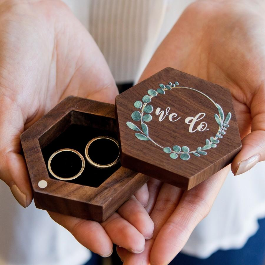Mariage - Hexagon Walnut Wood Ring Box with Color Printing - Engagement or Proposal Ring Box - Rustic Wedding Ring Bearer Box - Ring Storage