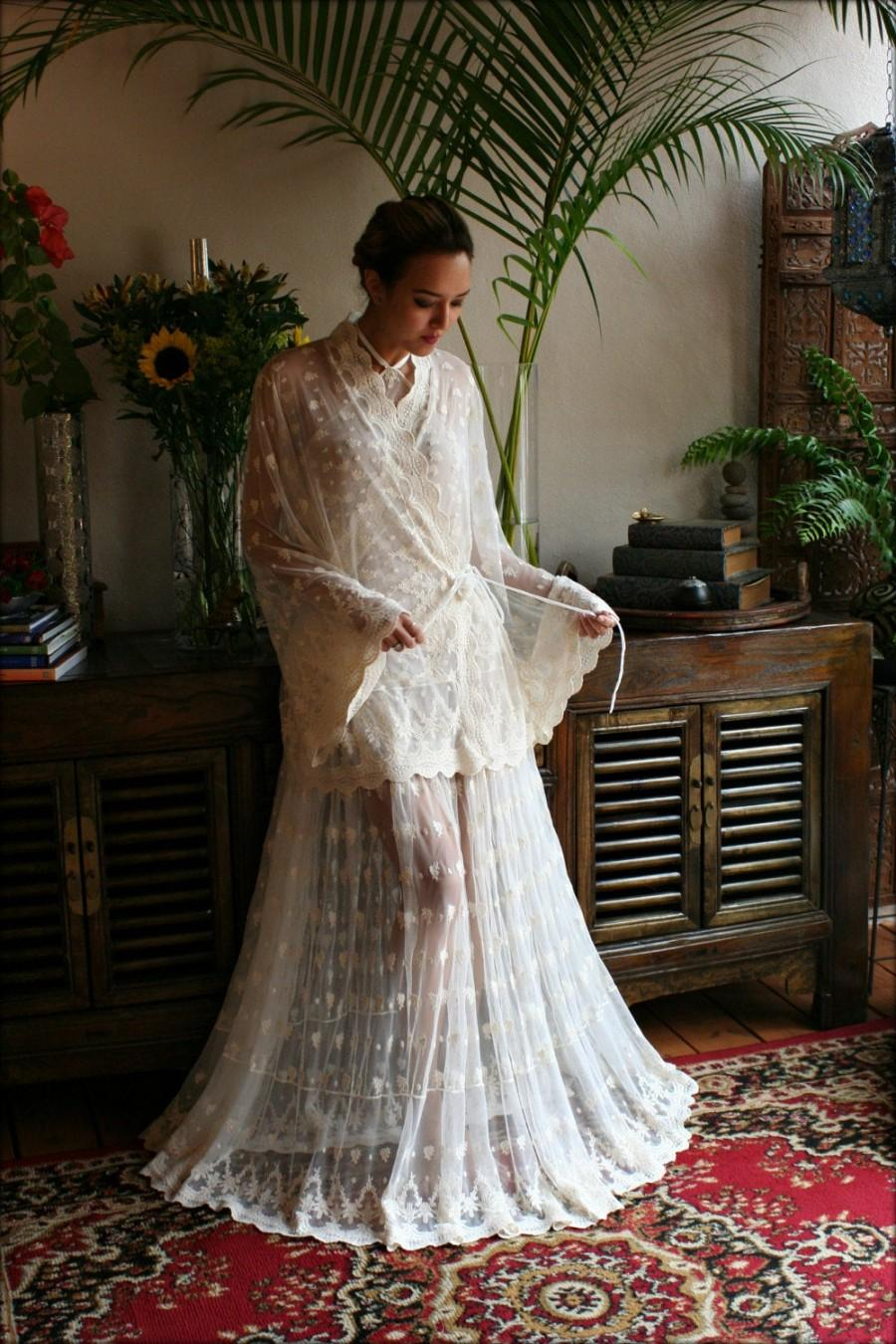 Свадьба - Victorian Lace Bed Jacket Bridal Lingerie Wedding Lingerie Lace Robe Bridal Robe Wedding Sleepwear Lace Lingerie Art Deco  Nightgown