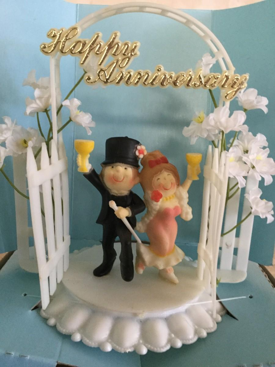 Свадьба - Happy Anniversary Wedding Cake Topper / Fun Playful Cake Topper