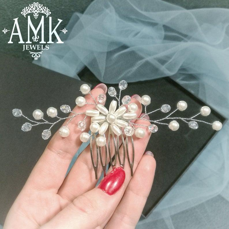 Wedding - White bridal hair accessory, wedding hair comb