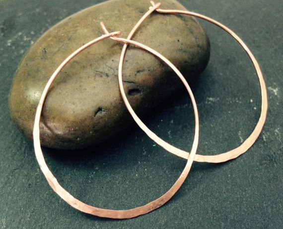 Mariage - Copper Hoop Earrings Thin Wire Metal Hammered Texture Hoops Medium