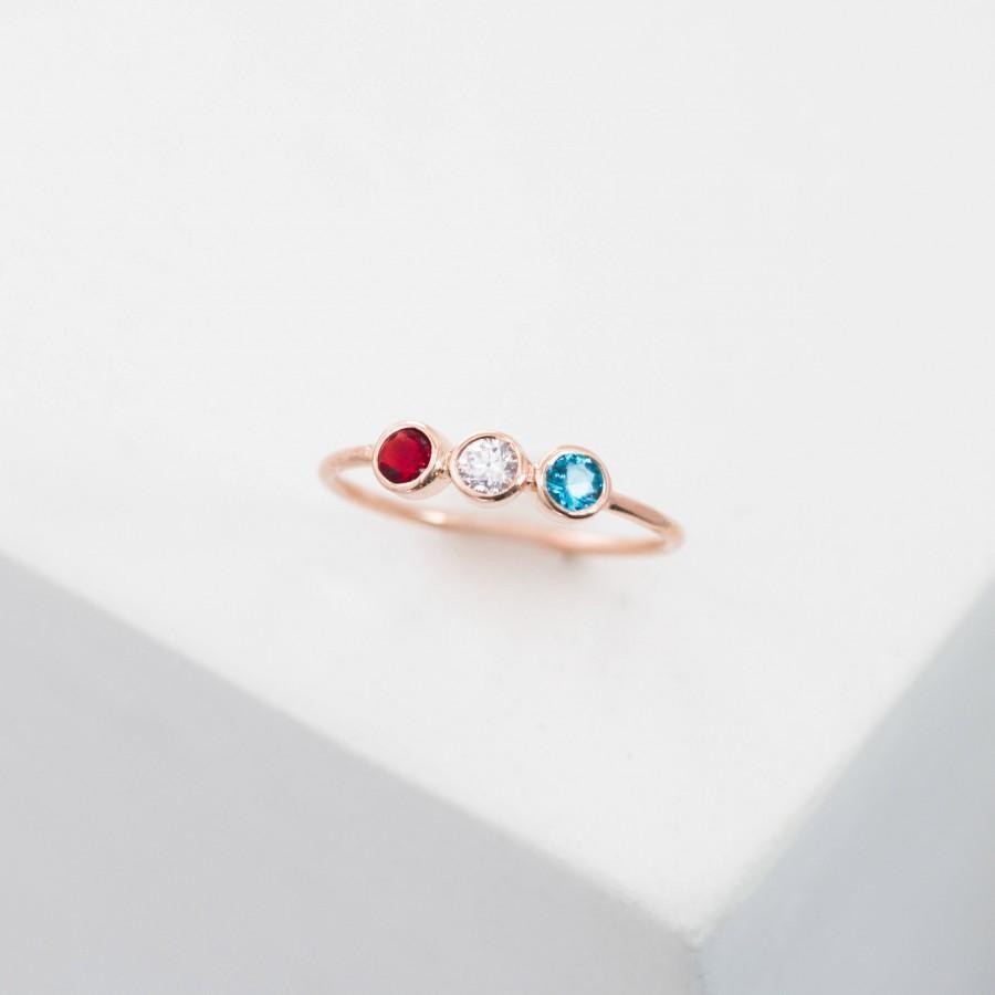 زفاف - Birthstones Ring • 3 Stone Ring • Personalize Birthstone Gift for Mom • Triple Birthstone Ring • Three Diamond Engagement Ring • RH07