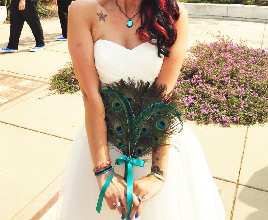 Hochzeit - Peacock fan bouquet, peacock bridal bouquet, feather bouquet