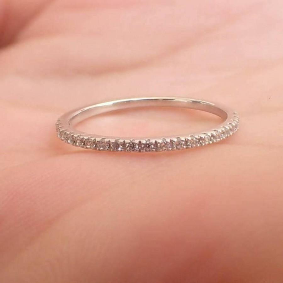 Mariage - Affordable 0.23ct Female Moissanite Wedding Band