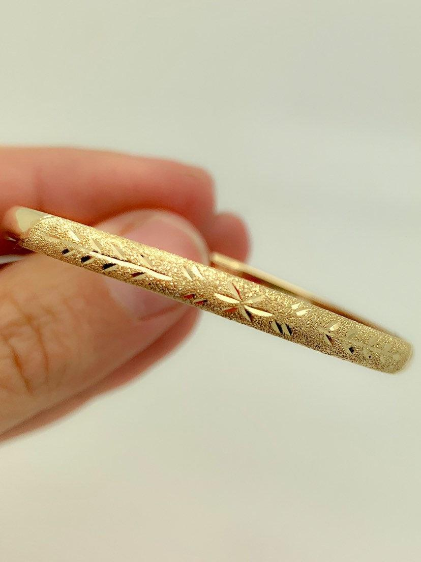 Hochzeit - 10K Solid Yellow Gold Baby Bangle Bracelet,Diamond Cut Bangle,Real Gold Bangle,Bangle with etching,For Child,Baby,Birthday,Baby Shower,Sale
