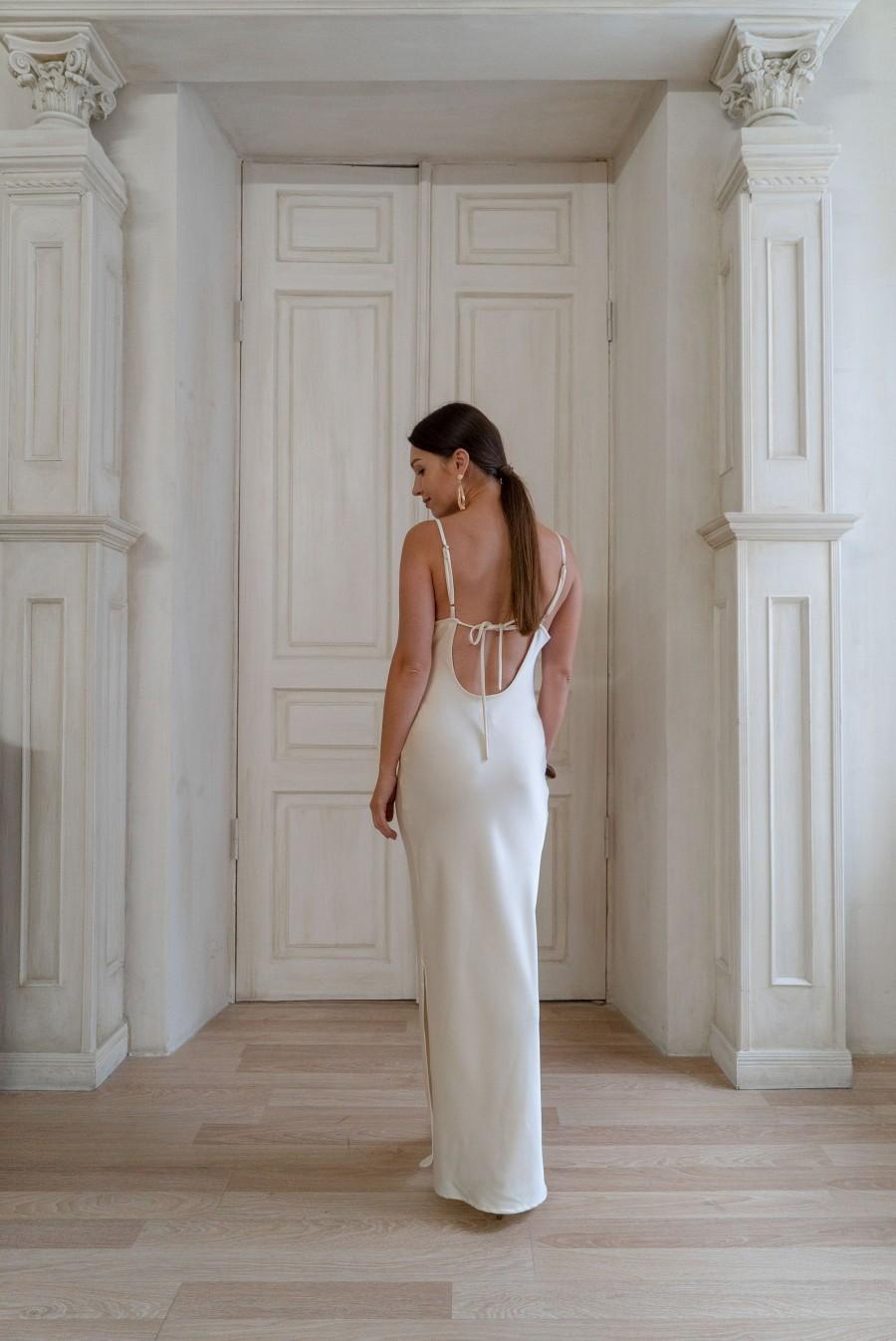 Свадьба - Bohemian beach dress Ivory dress for the wedding  Backless white satin dress Slip summer dress Silk cocktail dress Cream dress for women