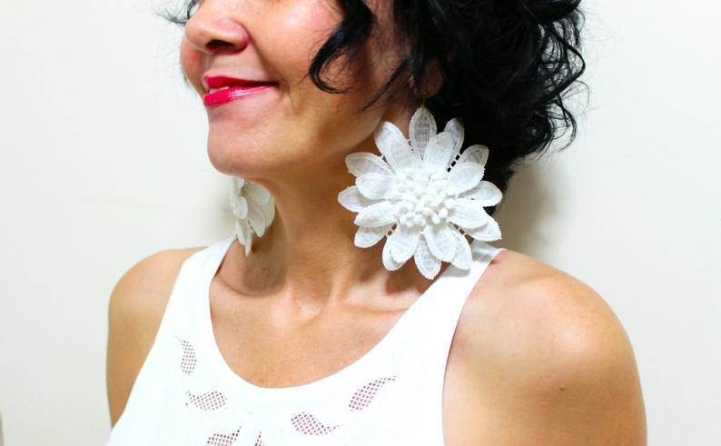 Свадьба - White Lace Flower Earrings Bridal Earrings Wedding Floral Earrings 3d Flower Earrings Fashion Earrings Snowflake Earrings Gift for women