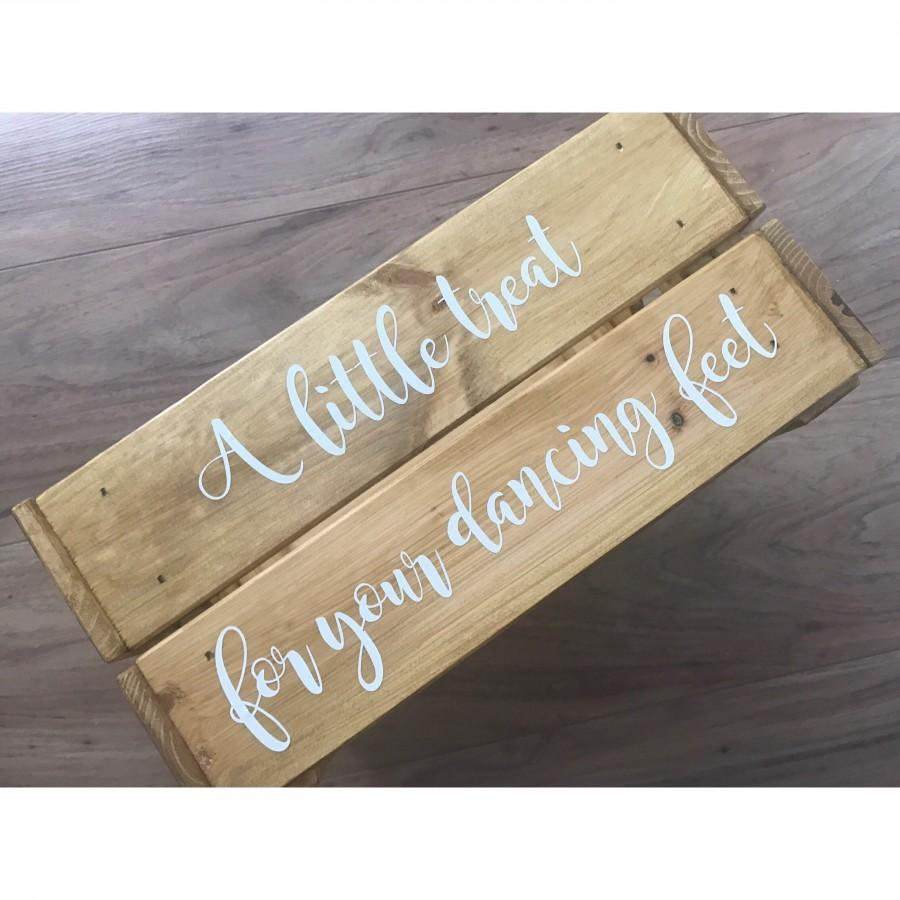 Wedding - dancing feet crate, flip flop crate, tired feet box. personalised crate, rustic wedding crate, mr and mrs gift, wedding persent, crate shoes