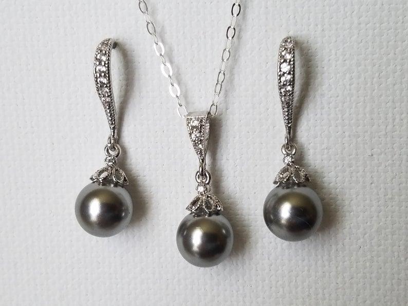 Mariage - Gray Pearl Jewelry Set, Swarovski 8mm Grey Pearl Earrings&Necklace Set, Pearl Drop Wedding Set, Bridesmaid Gray Jewelry, Bridal Pearl Set