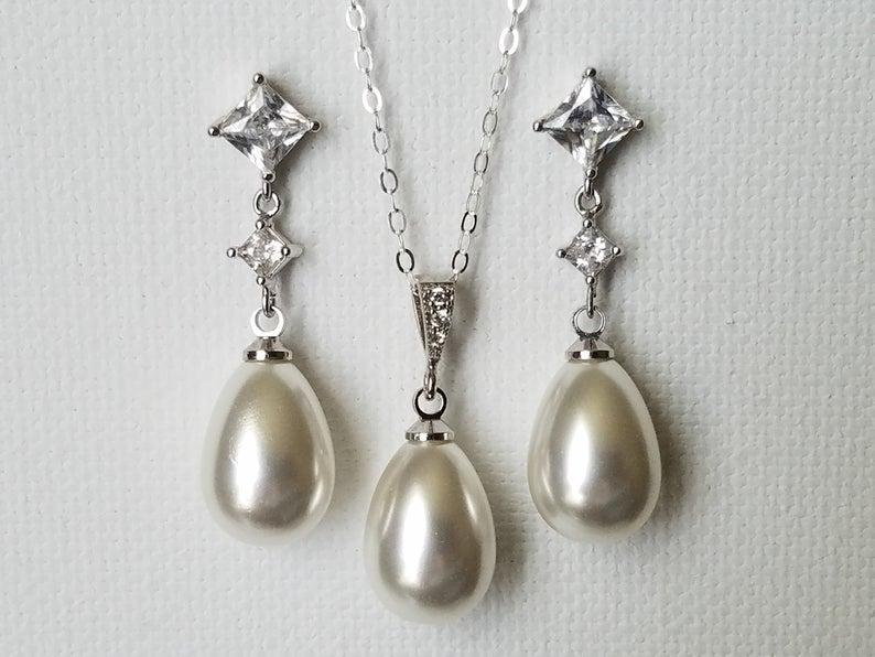 Hochzeit - Wedding Pearl Jewelry Set, White Teardrop Pearl Set, Bridal Pearl Earrings&Necklace Set, Wedding Pearl Jewelry, Pearl Chandelier Earrings