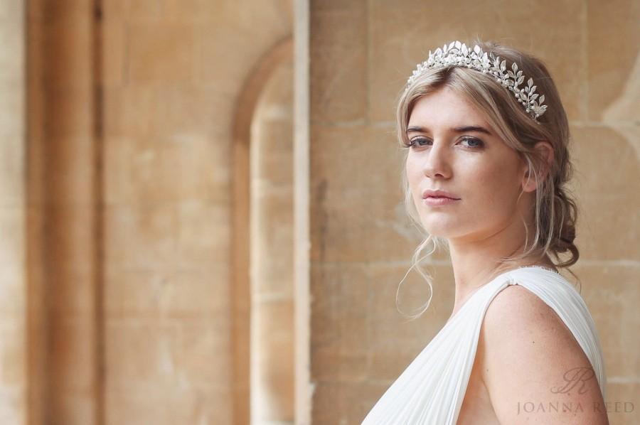 Hochzeit - Silver leaf tiara, bridal leaf crown, bridal headdress, pearl headband, pearl hair vine, bridal hair vine, bridal flower crown