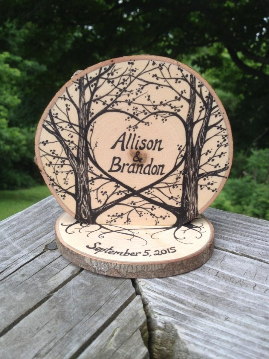 Свадьба - Black Ink on Natural Wood Rustic Wedding Cake Topper