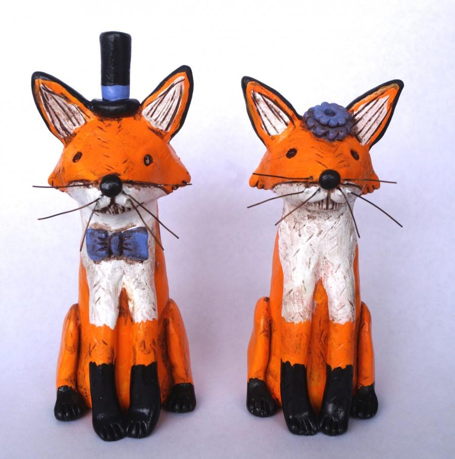 Hochzeit - Red Foxes in Love Rustic wedding cake topper