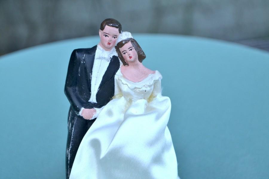 Mariage - Vintage Handmade Wedding Cake Topper