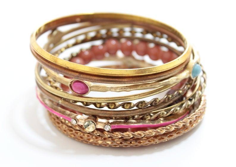 زفاف - Copper Gold Layered Bracelet For Women, Vintage Bracelet, Set of 12 bracelets, Rustic Stacking Bangles, Layered Bangles, Boho Bangles