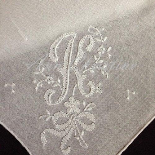 Hochzeit - Keepsake K Initial HAND MONOGRAM Hankie Handkerchief UNUSED Vintage Stock Monogrammed Wedding Bridal