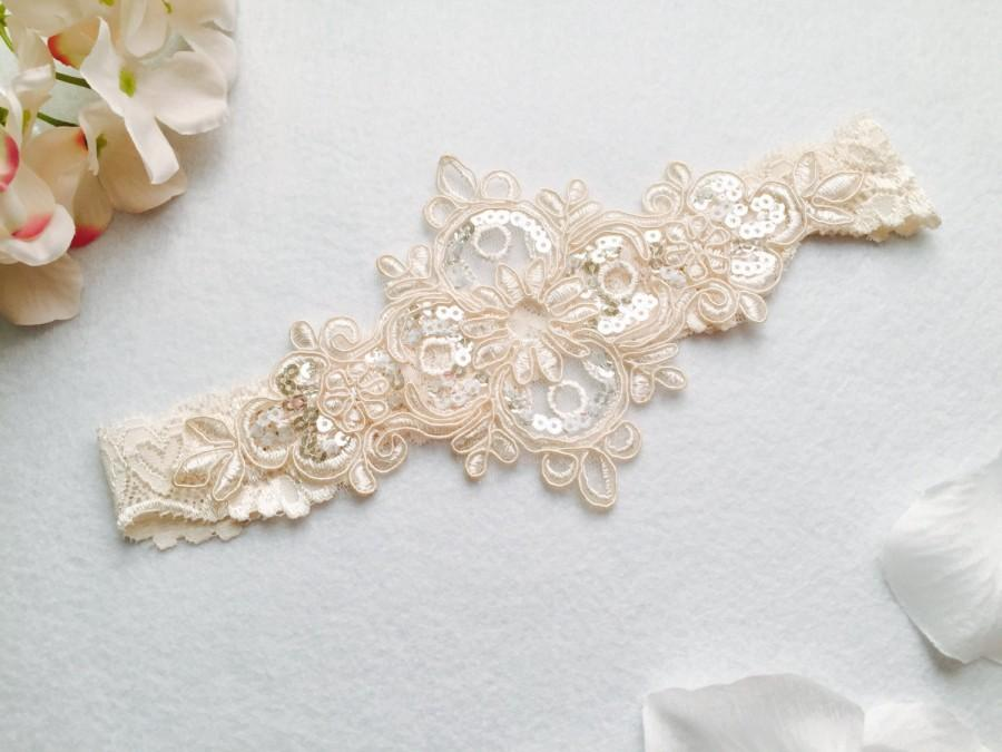 Свадьба - Wedding Garter , bridal garter, wedding lace garter,champagne Lace Garter, keepsake Garter only