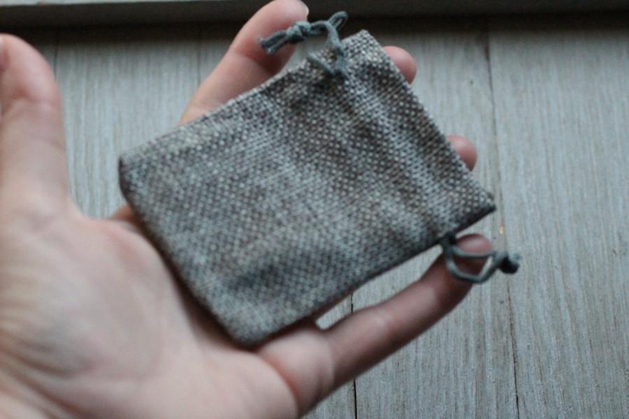Свадьба - Set of 10 Grey Burlap Gift Gemstone Pouch 2.5 x 3.5 Inches Q10
