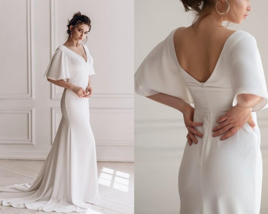Mariage - Beach wedding dress with ruffle sleeves, minimalist elegant bridal gown, V-neck mermaid train dress