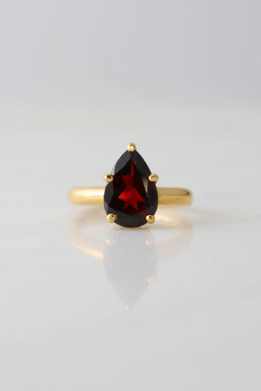 زفاف - January Birthstone Ring, Garnet gemstone ring, Pear Shaped, Engagement Ring, Vermeil Ring, Tear Drop Shape, Prongs ring, Custom made ring