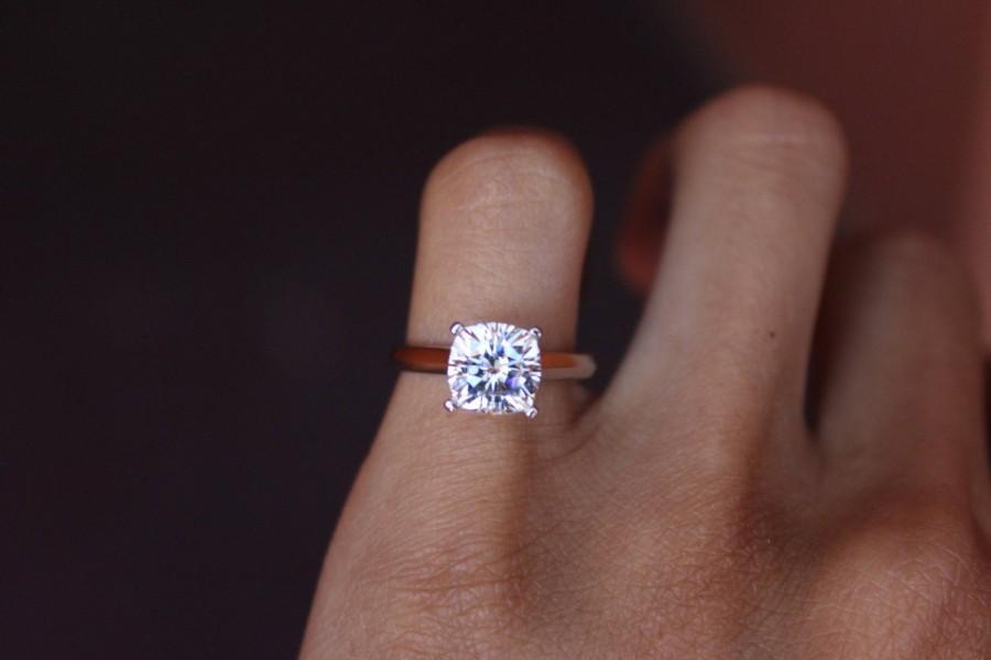 زفاف - 2.20 Carat FOREVER ONE Moissanite Cushion-Cut Solitaire Engagement Ring 14k White Gold - Cushion Moissanite Rings For Women  7.5mm