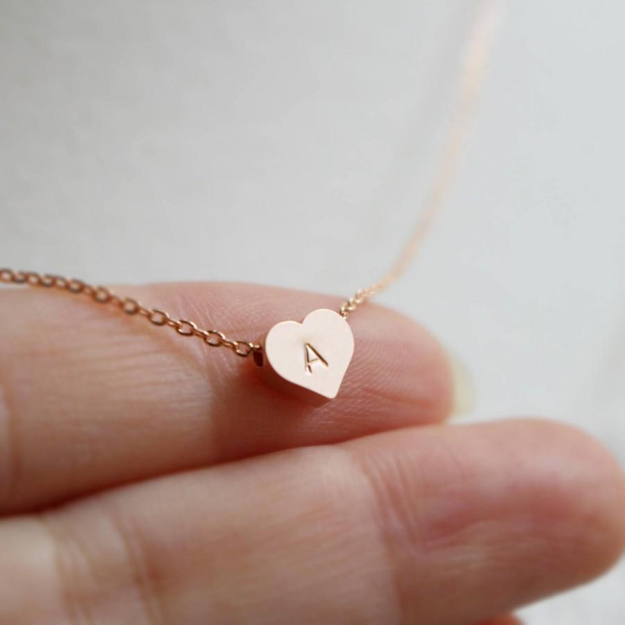 زفاف - Personalized Tiny Heart necklace, Initial heart, Bridesmaid necklace, Bridesmaid gift, Wedding necklace, Mothers day, Rose gold, Flower girl