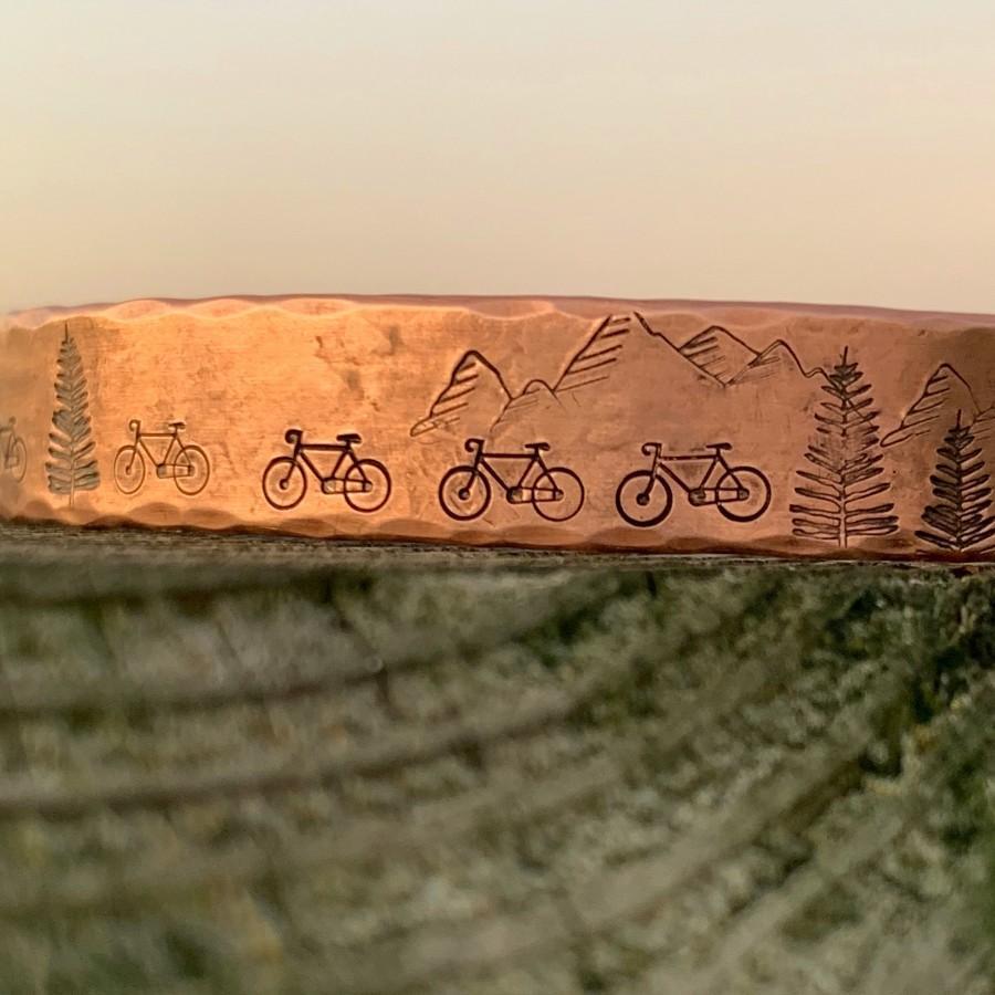 Свадьба - Custom Bicycle Bracelet Biking Gifts for Women Cycling Bracelet Gifts for Cycling Enthusiast Personalized Cycling Gift Custom Biking Jewelry