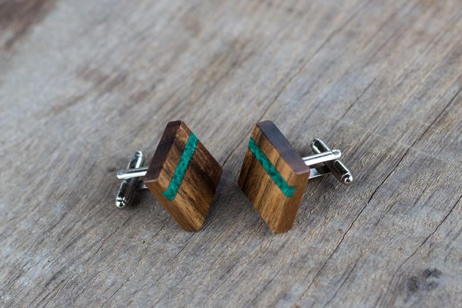 Свадьба - gift for man, WOODEN CUFFLINKS, Wedding Cufflinks, Groom Cufflinks, groomsmen cufflinks,  Square WALNUT with Malachite  inlay