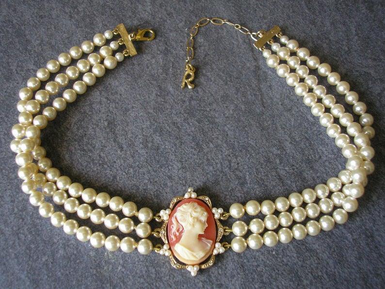 Hochzeit - Vintage Rosita Cameo Pearl Choker, Vintage Pearl Choker, Cameo Jewellery, Cameo Choker, Bridal Choker, 3 Strand Pearls, Cream Pearls